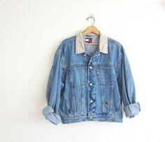 Vintage light wash Tommy Hilfiger jean jacket. Denim jean jacket / size medium