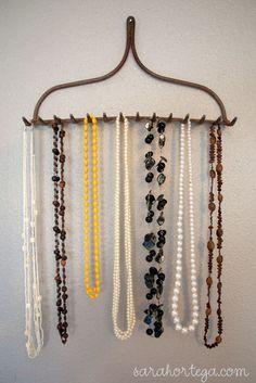 Ideas to organize my jewelry -- Clarissa