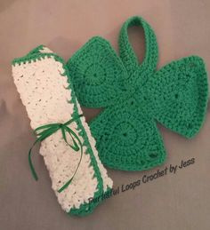 Lucky kitchen duo, set of 2 dishcloths, by Purtisful Loops Crochet by Jess at www.purtisfulloopsbyjess.etsy.com www.facebook.com/purtisfulloops Check out this item in my Etsy shop https://www.etsy.com/listing/272640608/lucky-kitchen-duo-cotton-shamrock-white