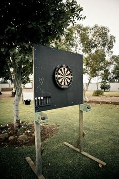 How to build an outdoor dartboard stand & DIY projects for everyone! How to build an outdoor dartboard stand & DIY projects for everyone! The post How to build an outdoor dartboard stand Wedding Reception Activities, Wedding Party Games, Reception Decorations, Wedding Favors, Party Fun, Wedding Games For Guests, Wedding Ceremony, Garden Party Games, Backyard Decorations