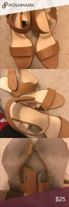 Vera wang chunky 3 inch heel Worn once. These go with anything. They have a Velcro ankle strap. Low 3inch chunky heel that makes these very comfortable. Has some dog hair in Velcro. I'll get most out but just want it out there. Xoxox Simply Vera Vera Wang Shoes Heels