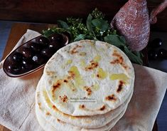 Pita greceasca | Retetele mele dragi Pita, Cooking Recipes, Healthy Recipes, Greek Recipes, Food And Drink, Favorite Recipes, Bread, Ethnic Recipes, Vegans