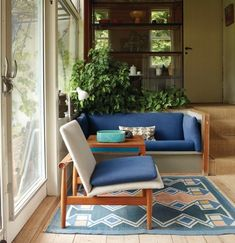Finn Juhl's house (built in 1942) at Ordrupgaard Museum in Denmark.  - Seating area at entrance with the beautiful Japan Chair.