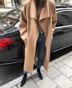 In the market for a new camel coat? Shop our editor's dream coat and 14 more affordable (but still very stylish) ones. Camel Coat Outfit, Style Simple, Street Style, Looks Cool, Minimalist Fashion, Lady, Coats For Women, Autumn Winter Fashion, Mantel