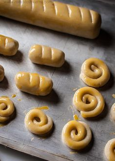 Mazapán casero. Cómo se hace. Spanish Desserts, Spanish Dishes, Raw Food Recipes, Sweet Recipes, Dessert Recipes, Croissants, Marzipan Cake, Chocolates, Tasty