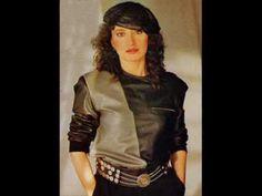 """Luz Casal, una cantante de """"bandera"""" que ha conquistado al público con su canción y su forma de ser. Este video de la canción """"Eres tú"""""""