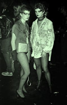 Punk girls at The Roxy - ph: Derek Ridgers