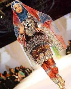 Love it! Omani traditional clothing and dress