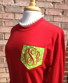 LONG SLEEVE  Christmas Monogrammed Pocket Tee  by thepalmgifts, $28.95 would this not be adorable for marketplace? Monogram Pocket Tees, Monogram Gifts, Christmas Shirts, Christmas Ideas, Christmas Crafts, Embroidery Ideas, Machine Embroidery, Christmas Fashion, Vinyl Projects