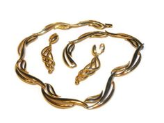 1950s Exquisite Crown Trifari gold large by maggiescornerstore, $125.00