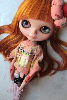 Blythe pops