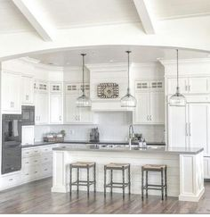 Modern Kitchen Interior Remodeling Stylish White Kitchen Cabinets Decor Ideas 10 - Your kitchen is one of the most used rooms in your home and the one you spend most of your […] Kitchen Cabinets Decor, Farmhouse Kitchen Cabinets, Cabinet Decor, Modern Farmhouse Kitchens, Kitchen Cabinet Design, Home Kitchens, Cabinet Ideas, Farmhouse Design, Cabinet Makeover