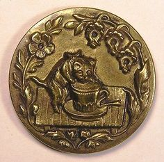 *OLD*AMAZING SCARCE LARGE BRASS WITH A THIRSTY KITTEN DRINKING FROM A CUP BUTTON