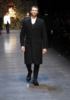 Dolce & Gabbana Man Runway Show – Video and Photos Fall Winter 2014 - Discover Photos and Video from the Dolce & Gabbana Fall Winter 2014 Man Collection Fashion Show. Special Contents from the Runway of the Metropol Theatre in Milan.