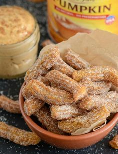 Pumpkin Churros with Cream Cheese Dipping Sauce Desserts To Make, Köstliche Desserts, Delicious Desserts, Food To Make, Dessert Recipes, Yummy Food, Churros, Pumpkin Recipes, Fall Recipes