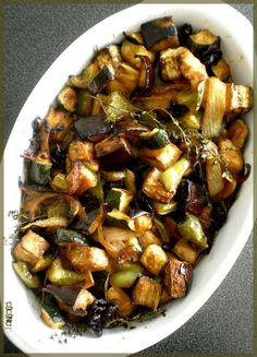 """Ratatouille """"verde"""" with eggplants, zucchini, green pepperoni and dried tomatoes"""