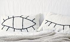 So leicht könnt Ihr Euren Kissen ein Augenzwinkern verpassen Foto: Jonas von der Hude Produktion: Anka Rehbock