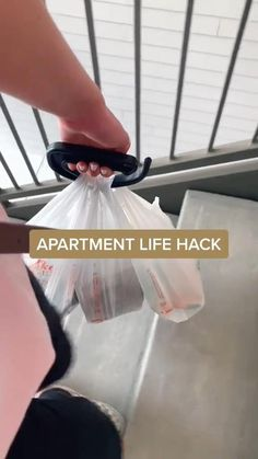 Apartment Must Haves, Apartment Hacks, Student Apartment, Apartment Kitchen, Simple Life Hacks, Useful Life Hacks, Cool Gadgets To Buy, Clever Gadgets, Best Amazon Buys