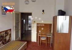 НЕДВИЖИМОСТЬ В ЧЕХИИ: продажа квартиры 2+КК, Прага, Sedlčanská, 135 000 € http://portal-eu.ru/kvartiry/2-komn/2+kk/realty220/  Предлагается на продажу квартира 2+КК площадью 51 кв.м в районе Прага 4 – Михле стоимостью 135 000 евро. Квартира находится на четвертом этаже четырехэтажного дома. В квартире скоро будет произведена реконструкция, которая уже прошла в доме – замена пластиковых окон, ремонт фасада и утепление, ремонт крыши и подвала, скоро будут перекрашены стены внутри дома. К…