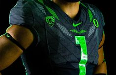 "Oregon Ducks Unveil ""Ohana"" Alternate Uniforms – SportsLogos.Net News Oregon Football, College Football, Football Team, Football Uniforms, University Of Oregon, Football Program, Wide Receiver, Oregon Ducks, Ohana"