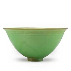 OTTO AND GERTRUD NATZLER; Footed bowl, glossy apple green glaze