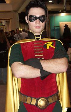 Cosplay robin 8 by ~EvilGill on deviantART Más Robin Cosplay, Robin Costume, Dc Cosplay, Male Cosplay, Best Cosplay, Cosplay Ideas, Super Hero Costumes, Cool Costumes, Cosplay Costumes