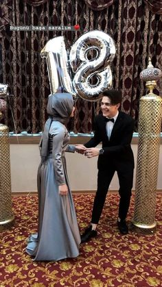 B A T U H A N & K Ü B R A (@kkubra.bbatuhan) Cute Muslim Couples, Cute Couples, Muslim Fashion, Hijab Fashion, Best Couple Pictures, Mode Turban, Islam Marriage, Muslim Beauty, Boy Photography Poses