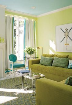 lime green walls and pale tourquoise ceiling.