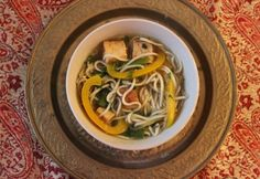 Thai tofuleves Japchae, Tofu, Thai Red Curry, Lime, Ethnic Recipes, Cilantro, Red Peppers, Limes, Key Lime