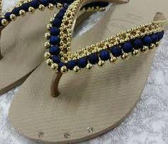 Bling Flip Flops, Flip Flop Sandals, Beaded Shoes, Beaded Earrings, Designer Flip Flops, Flip Flop Craft, Crochet Flip Flops, Decorating Flip Flops, Flipflops
