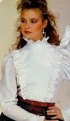 Over the years, fashion accessories have developed to add the extra bit of glamour and style to our lives. High Collar Blouse, Ruffle Collar Blouse, Sexy Blouse, Blouse And Skirt, Blouse Dress, 80s Fashion, Fashion Dresses, Victorian Shirt, African Print Fashion