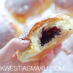 Jagodzianki Breakfast Recipes, Dessert Recipes, Desserts, Sweet Buns, Polish Recipes, Hot Dog Buns, Bakery, Bread Pizza, Favorite Recipes