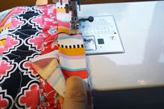 How to Bind a Quilt: lots of pictures and great, straightforward instructions!