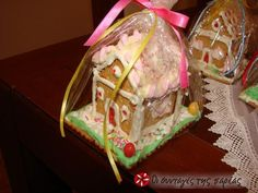 Christmas house with cookies Greek Christmas, Christmas Baking, Christmas Holidays, Christmas Houses, Xmas, Christmas Chocolate, Cooking Recipes, Sweets, Food And Drink
