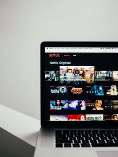 Stop wasting time trying to find something to watch on Netflix. Entertain your little one with these excellent Netflix Originals! Netflix Codes, Films Netflix, Netflix Tv Shows, Watch Netflix, Netflix Series, Movies To Watch, Good Movies, Netflix Hacks, Netflix List