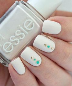 Spring nail designs are essential to brighten up your look. A new season means new nails! Bring on the spring vibes by wearing these chic spring nail designs. 17 Spring Nail Designs To Brighten Up … Fantastic Nails, Fabulous Nails, Spring Nail Art, Spring Nails, Spring Makeup, Matte Nails, Diy Nails, Matte Makeup, Nail Art Blanc