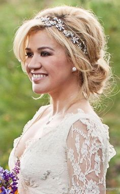 Kelly Clarkson Wedding,,,beautiful bridal headband for updo wedding hairstyles Wedding Hair And Makeup, Wedding Updo, Wedding Hair Accessories, Wedding Hair Bands, Hair Pieces For Wedding, Wedding Jewelry, Tiara For Wedding, Bridal Makeup, Wedding Shoes
