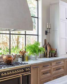 Farmhouse Kitchen Island, Rustic Kitchen, New Kitchen, Kitchen Dining, Kitchen Decor, Kitchen Ideas, Modern French Kitchen, Antique Kitchen Island, Farmhouse Sinks