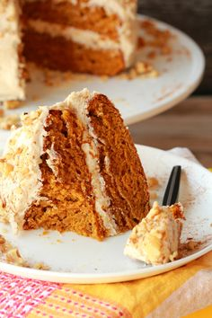 Perfectly moist and utterly delicious vegan pumpkin cake with a cinnamon buttercream frosting. Spicy and colorful and ideal for any special occasion! Vegan Pumpkin, Pumpkin Recipes, Vegan Dessert Recipes, Cake Recipes, Cooking Recipes, Food Cakes, Cupcake Cakes, Bon Dessert, Pecan Cake