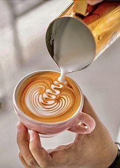Coffee Latte Art, Coffee Is Life, I Love Coffee, Coffee Cafe, My Coffee, Coffee Beans, Coffee Drinks, Barista, Coffee Shop Photography
