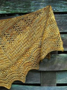 Geology Shawlby from verybusymonkey on Ravelry. This pattern is available buy now. Note, pic © rebeccakim