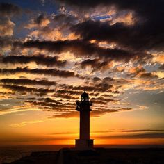 Clouds & Sunset in Lighthouse