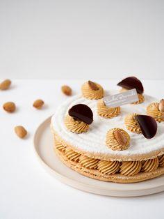 Attention ce dessert porte chance ! Découvrez notre Succès aux amandes et fêtez vos futures réussites en douceur. (À commander avant ce soir 19h.) #NicolasBernardé #PâtisserieDuSamedi #PDS #dessert #cake #gourmand #gourmet #teatime #Frenchpastry #noisette #nut #hazelnut #walnut #amande #almond #crème #cream #automne #autumn #fall #gâteau #LaGarenne #Colombes #LaDefense #Neuilly #Courbevoie #Levallois #Instafood #goûter