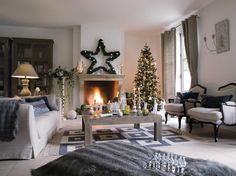 Modern Country Style: Getting Your Home Ready For Christmas!The New Series! by Modern Country Style French Christmas, Cozy Christmas, Country Christmas, Christmas Star, Modern Christmas, Family Christmas, My French Country Home, Modern Country Style, French Style