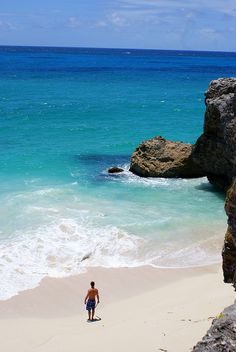 Someday I would like to take a trip to Barbados. Look how beautiful the water is!
