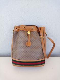 d949e9c96ba382 309 Best Vintage Gucci bags images in 2019   Gucci handbags, Vintage ...