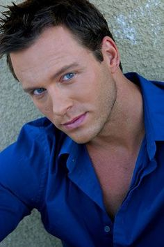 Eric Martsolf, went to high school with him. Magazine Images, Soap Stars, Days Of Our Lives, Event Photos, Male Face, Sexy Men, Hot Men, His Eyes, Cover Photos
