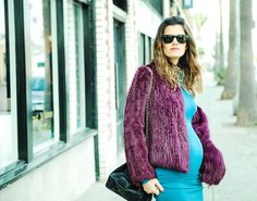 revolve-clothing_teal-blq-longsleeve-jersey-cotton-dress-purple-fur-coat-keds-chanel-bucket-bag_pregnant style_pregnant street style_pregnant blogger_street style