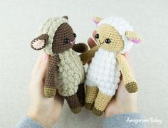 Cuddle Me Sheep crochet pattern by Amigurumi Today