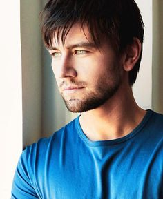 Torrance Coombs, those beautiful sea glass eyes. So very fine. Reign Season, Torrance Coombs, Perfect Boy, Cinema, Cute Celebrities, Queen Mary, Character Aesthetic, Interesting Faces, Dream Guy